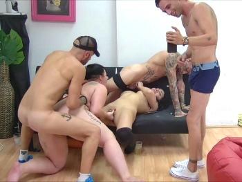 Llega la cena, pero antes una grupal para abrir apetito ;)